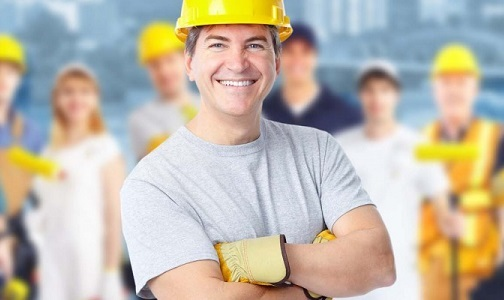 Smiling-Construction-worker-940x400